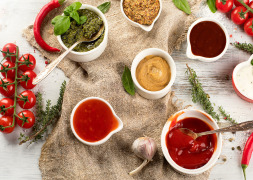 FLAVOURS AND EXTRACTS FOR SEASONINGS AND TABLE SAUCES